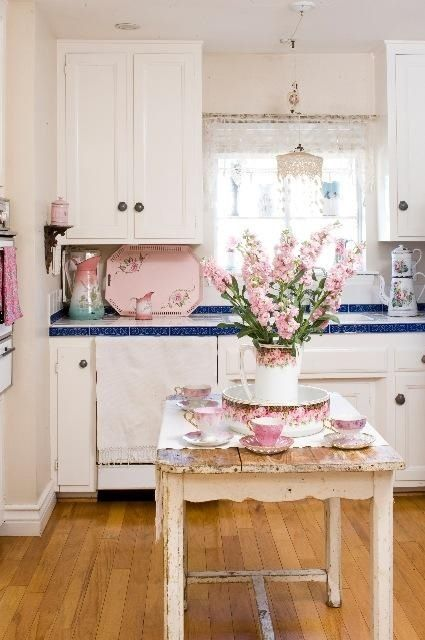 35 awesome shabby chic kitchen designs accessories and for Kitchen decoration pink